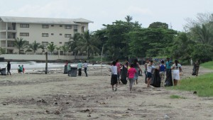 The Bocas Research Center along with children and volunteers cleaning up the beaches of Playa Ismito (aka Las Cabañas)
