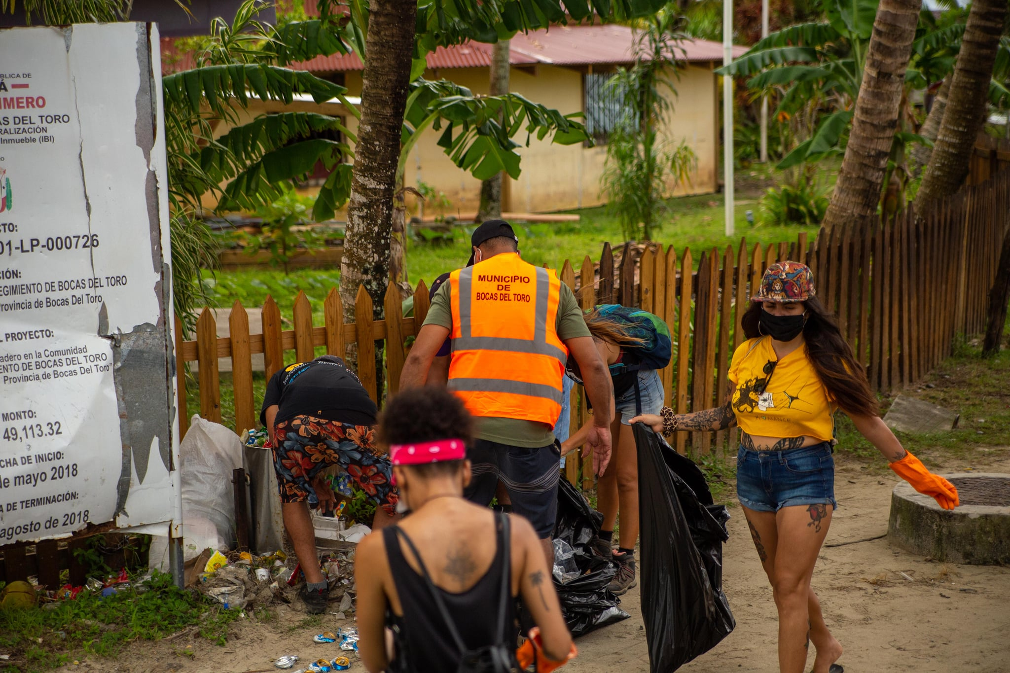 Volunteers cleaning up Carenero Island in Bocas del Toro as part of the Wasteless World Saturday clean ups