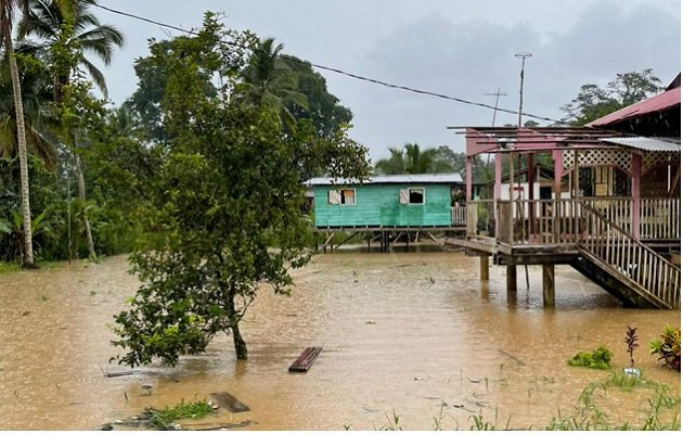 serverely flooded homes in Almirante